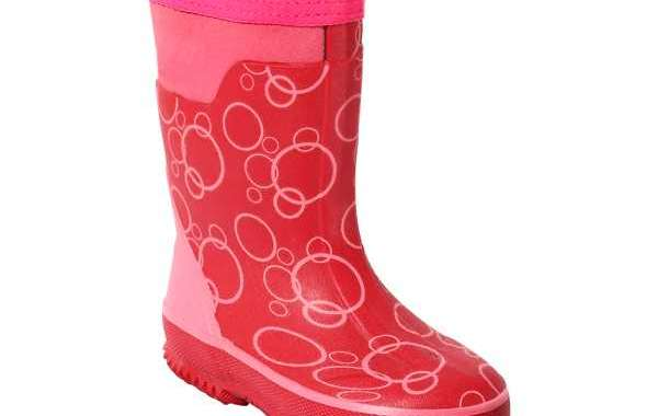 We Give Suitable Methods to Clean Exterior of Safety Rubber Boots