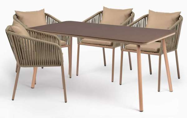 How To Decide On The Right Dining Chairs For Your Outdoor Aluminum Dining Set